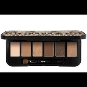 Buxom - May Contain Nudity™' eye shadow palette